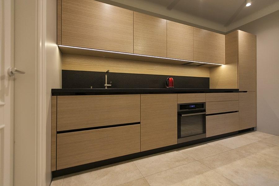 virtuve no akmens